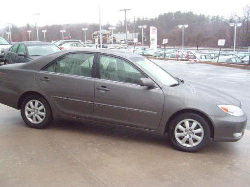 Photo Image Gallery & Touchup Paint: Toyota Camry in Phantom Gray Pearl  (1E3)  YEARS: 2002-2006