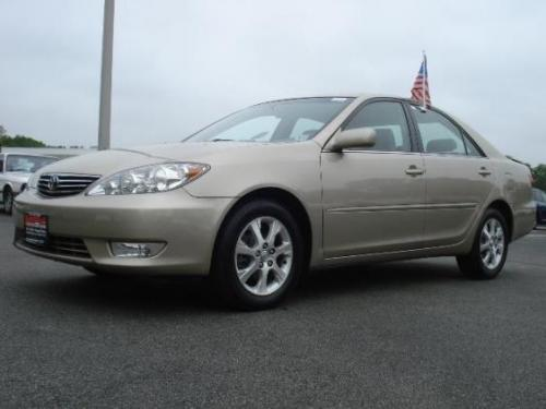 Photo Image Gallery & Touchup Paint: Toyota Camry in Desert Sand Mica  (4Q2)  YEARS: 2002-2006
