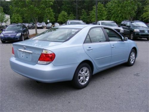 Photo Image Gallery & Touchup Paint: Toyota Camry in Sky Blue Pearl  (8S4)  YEARS: 2005-2006