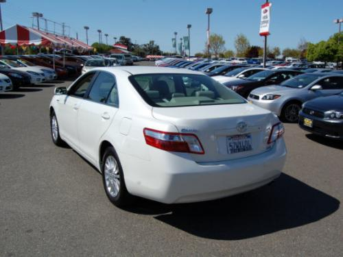 Photo Image Gallery & Touchup Paint: Toyota Camry in Blizzard Pearl   (070)  YEARS: 2007-2007