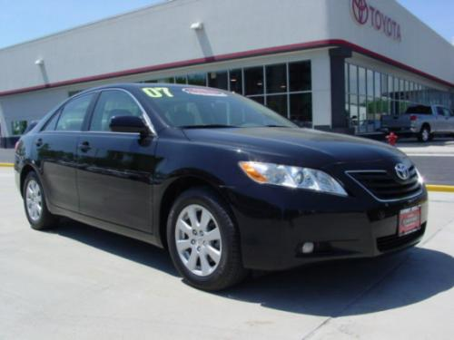 Photo Image Gallery & Touchup Paint: Toyota Camry in Black    (202)  YEARS: 2007-2011
