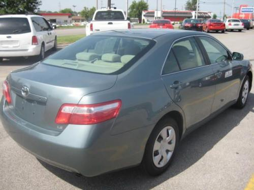 Photo Image Gallery & Touchup Paint: Toyota Camry in Aloe Green Metallic  (776)  YEARS: 2010-2011