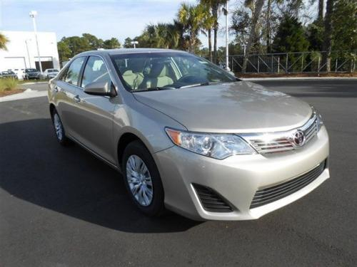 Photo Image Gallery & Touchup Paint: Toyota Camry in Champagne Mica   (5B2)  YEARS: 2013-2017