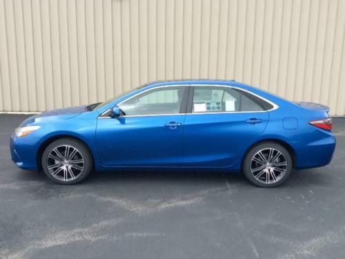 Photo Image Gallery & Touchup Paint: Toyota Camry in Blue Streak Metallic  (8T7)  YEARS: 2016-2017