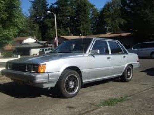 Photo Image Gallery & Touchup Paint: Toyota Camry in Silver Metallic   (137)  YEARS: 1984-1984