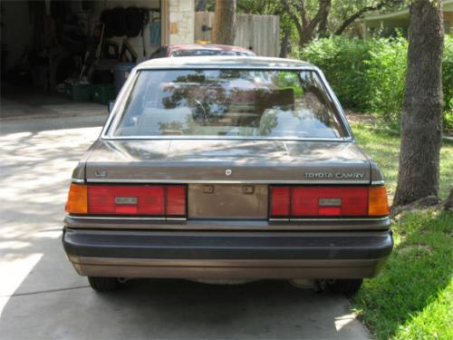Photo Image Gallery & Touchup Paint: Toyota Camry in Brown Ltbeige   (2T2)  YEARS: 1985-1985