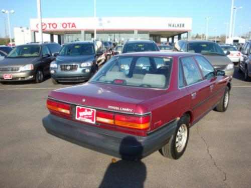 Photo Image Gallery & Touchup Paint: Toyota Camry in Medium Red Pearl  (3J9)  YEARS: 1991-1991