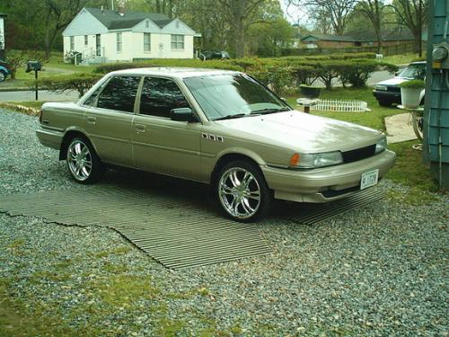 Photo Image Gallery & Touchup Paint: Toyota Camry in Almond Beige Pearl  (4J1)  YEARS: 1991-1991