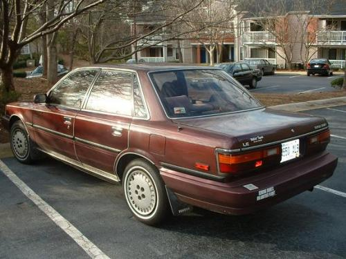 Photo Image Gallery & Touchup Paint: Toyota Camry in Mahogany Pearl   (4J7)  YEARS: 1989-1990