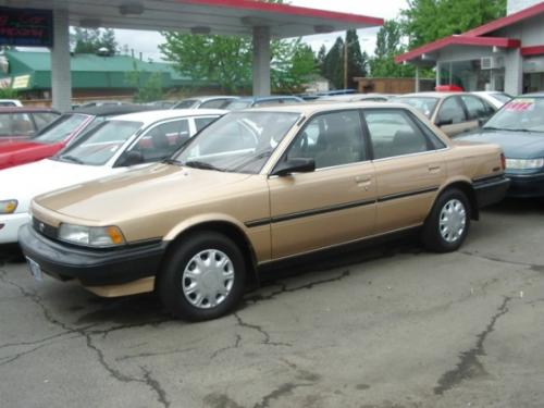 Photo Image Gallery & Touchup Paint: Toyota Camry in Sandalwood Metallic   (4J8)  YEARS: 1990-1990