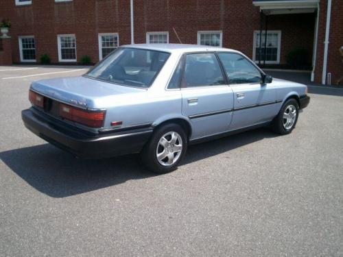 Photo Image Gallery & Touchup Paint: Toyota Camry in Ice Blue   (8G2)  YEARS: 1990-1991