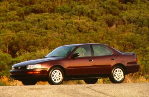 Photo Image Gallery & Touchup Paint: Toyota Camry in Wineberry Pearl   (3K2)  YEARS: 1992-1993