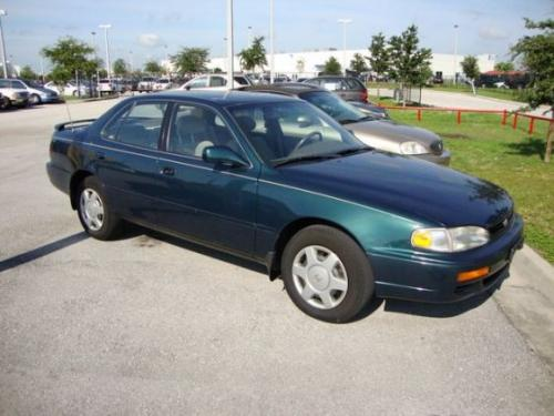 Photo Image Gallery & Touchup Paint: Toyota Camry in Classic Green Pearl  (6P2)  YEARS: 1996-1996
