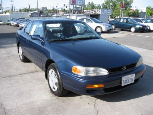 Photo Image Gallery & Touchup Paint: Toyota Camry in Nightshadow Pearl   (8K0)  YEARS: 1994-1996