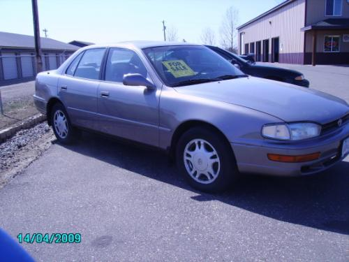 Photo Image Gallery & Touchup Paint: Toyota Camry in Silver Taupe Metallic  (923)  YEARS: 1992-1996