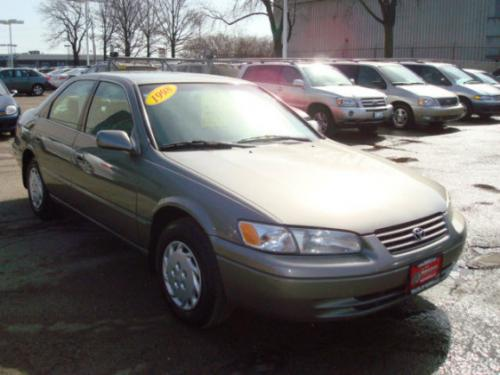 Photo Image Gallery & Touchup Paint: Toyota Camry in Antique Sage Pearl  (1B2)  YEARS: 1997-2001
