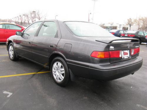 Photo Image Gallery & Touchup Paint: Toyota Camry in Graphite Gray Pearl  (1C6)  YEARS: 2000-2001