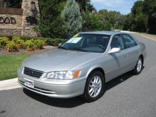 Photo Image Gallery & Touchup Paint: Toyota Camry in Lunar Mist Metallic  (1C8)  YEARS: 2000-2001