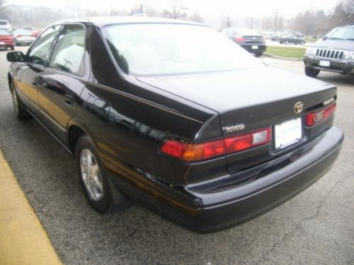 Photo Image Gallery & Touchup Paint: Toyota Camry in Black    (202)  YEARS: 1997-2001