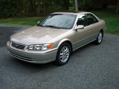 Photo Image Gallery & Touchup Paint: Toyota Camry in Cashmerebeige Lunarmist   (2HV)  YEARS: 2001-2001