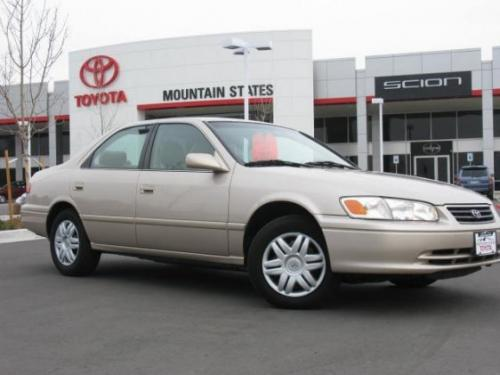 Photo Image Gallery & Touchup Paint: Toyota Camry in Cashmere Beige Metallic  (4M9)  YEARS: 1997-2001