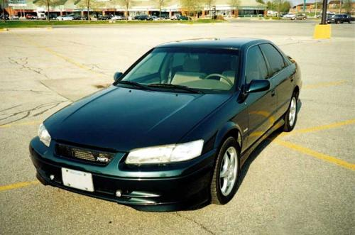 Photo Image Gallery & Touchup Paint: Toyota Camry in Classic Green Pearl  (6P2)  YEARS: 1997-1998