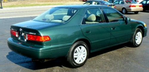 Photo Image Gallery & Touchup Paint: Toyota Camry in Woodland Pearl   (6R1)  YEARS: 1999-2001
