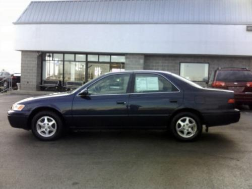 Photo Image Gallery & Touchup Paint: Toyota Camry in Blue Velvet Pearl  (8L3)  YEARS: 1997-1999
