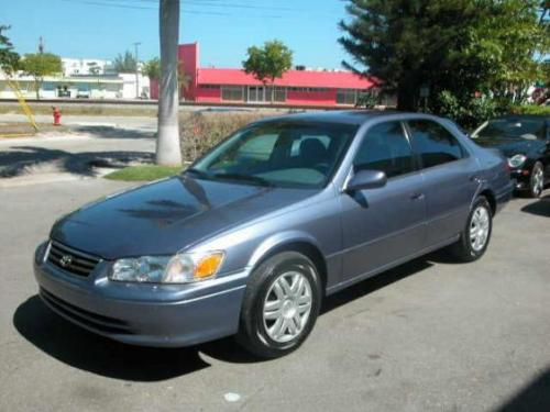 Photo Image Gallery & Touchup Paint: Toyota Camry in Constellation Blue Pearl  (8N4)  YEARS: 2000-2000