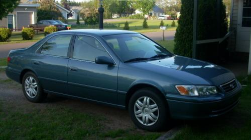 Photo Image Gallery & Touchup Paint: Toyota Camry in Sailfin Blue Pearl  (8N7)  YEARS: 2000-2001