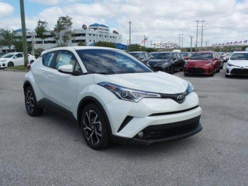 Photo Image Gallery & Touchup Paint: Toyota Chr in Blizzard Pearl   (070)  YEARS: 2018-2018
