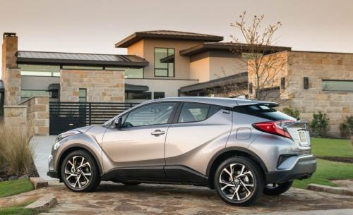Photo Image Gallery & Touchup Paint: Toyota Chr in Silver Knockout Metallic  (1K0)  YEARS: 2018-2018
