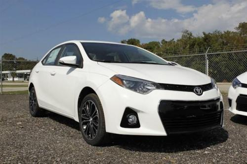 Photo Image Gallery & Touchup Paint: Toyota Corolla in Super White   (040)  YEARS: 2014-2017