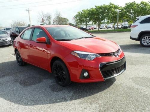 Photo Image Gallery & Touchup Paint: Toyota Corolla in Absolutely Red   (3P0)  YEARS: 2016-2016