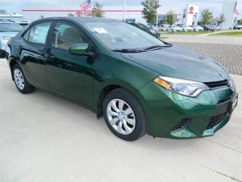 Photo Image Gallery & Touchup Paint: Toyota Corolla in 4Evergreen Mica   (6W3)  YEARS: 2014-2016