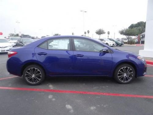 Photo Image Gallery & Touchup Paint: Toyota Corolla in Blue Crush Metallic  (8W7)  YEARS: 2014-2017