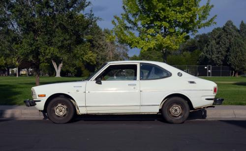 Photo Image Gallery & Touchup Paint: Toyota Corolla in White    (007)  YEARS: 1972-1974