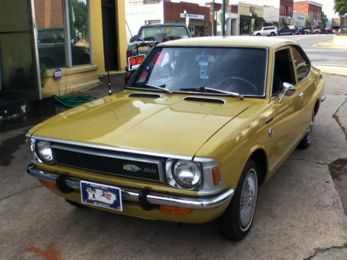 Photo Image Gallery & Touchup Paint: Toyota Corolla in Yellow    (511)  YEARS: 1972-1972