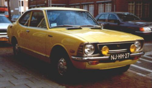 Photo Image Gallery & Touchup Paint: Toyota Corolla in Yellow    (522)  YEARS: 1973-1974