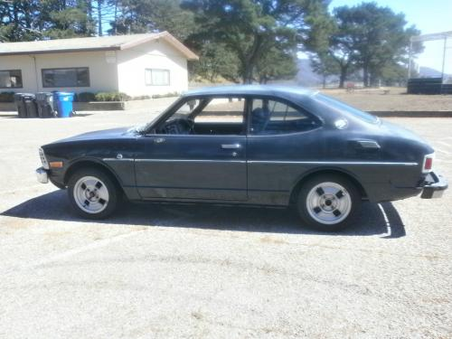 Photo Image Gallery & Touchup Paint: Toyota Corolla in Dark Blue   (829)  YEARS: 1973-1974