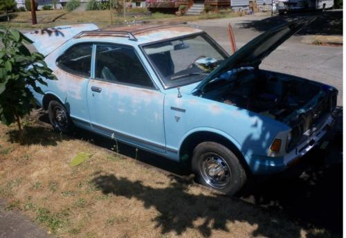Photo Image Gallery & Touchup Paint: Toyota Corolla in Blue Gleam   (T1749)  YEARS: 1971-1971