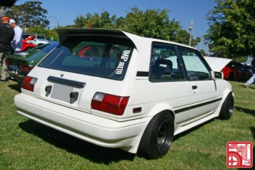 Photo Image Gallery & Touchup Paint: Toyota Corolla in White    (041)  YEARS: 1987-1988
