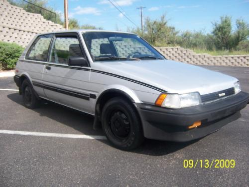 Photo Image Gallery & Touchup Paint: Toyota Corolla in Silver Metallic   (164)  YEARS: 1987-1988
