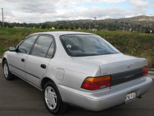 Photo Image Gallery & Touchup Paint: Toyota Corolla in Sunset Silver Metallic  (192)  YEARS: 1993-1994