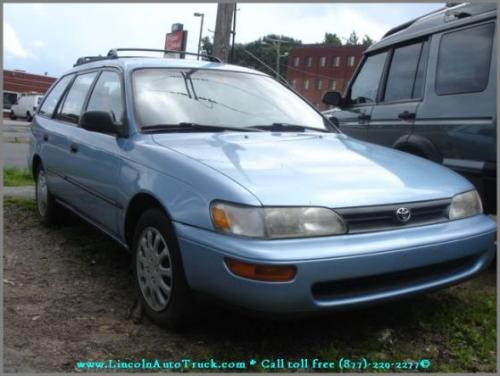 Photo Image Gallery & Touchup Paint: Toyota Corolla in Blue Haze Pearl  (8J6)  YEARS: 1993-1994