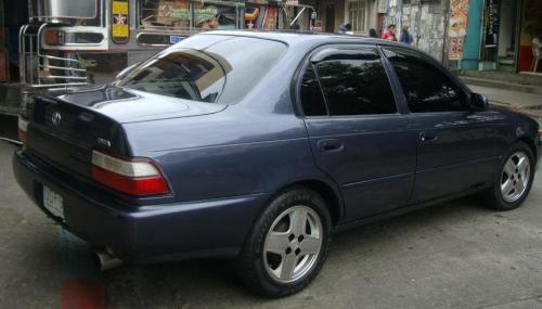 Photo Image Gallery & Touchup Paint: Toyota Corolla in Blue Steel Metallic  (8J7)  YEARS: 1993-1994