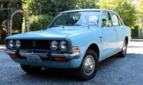 Photo Image Gallery: Toyota Corona in Light Blue   (XX3)  YEARS: -