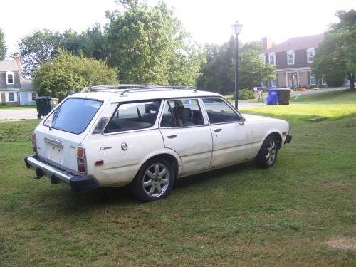 Photo Image Gallery & Touchup Paint: Toyota Corona in White    (030)  YEARS: 1977-1978