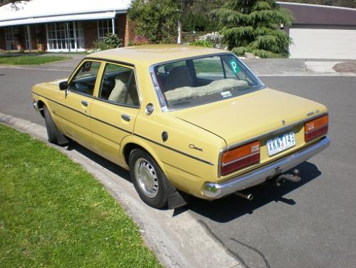 Photo Image Gallery & Touchup Paint: Toyota Corona in Pure Yellow   (534)  YEARS: 1978-1978