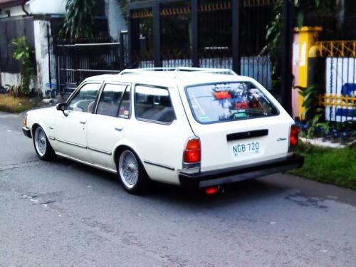 Photo Image Gallery & Touchup Paint: Toyota Corona in White    (033)  YEARS: 1980-1982
